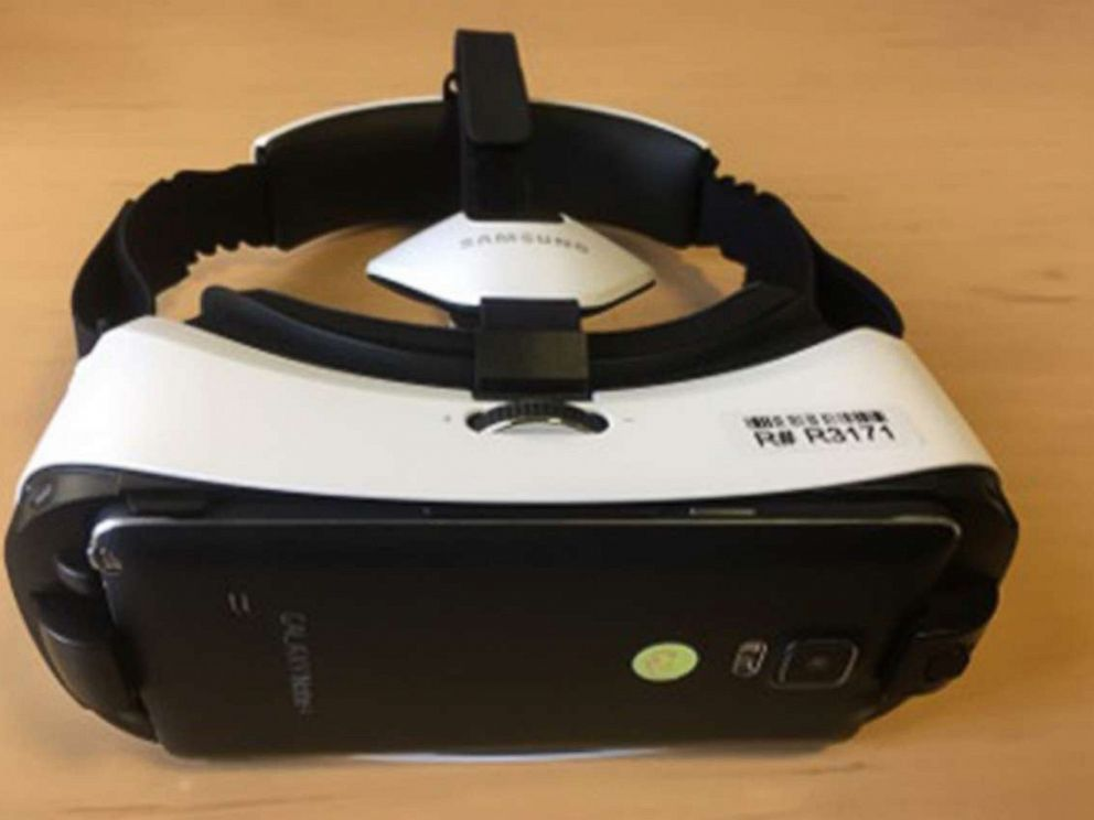 PHOTO: Virtual reality could be the newest tool in pain management.