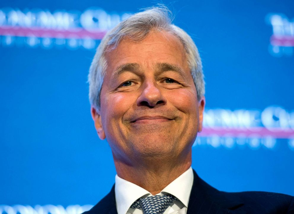 PHOTO: Jamie Dimon, chairman and CEO of JPMorgan Chase, participates in an interview at the Economic Club of Washington in Washington, D.C., Sept. 12, 2016.