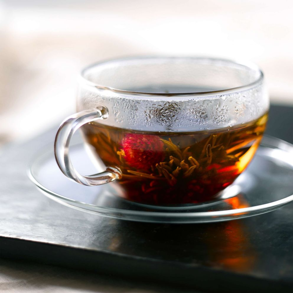 PHOTO: A new study finds that consuming hot tea may increase esophageal cancer risk for smokers and drinkers.