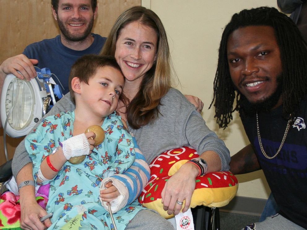 Pediatric Patients Get Special Visitors for Holidays - ABC News