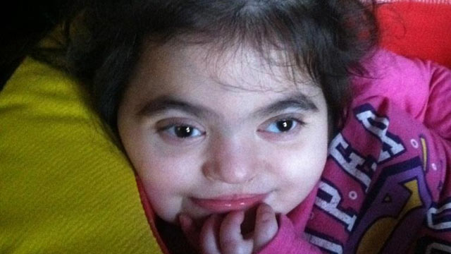 "PHOTO: Amelia ""Mia"" Rivera needs a kidney transplant to live, but according to her mother, Children?s Hospital of Philadelphia has not recommended she be eligible."