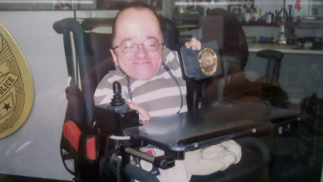 PHOTO:Ryan Berger, an assistant detective in Santa Ana California, has Osteogenesis Imperfecta, otherwise known as Brittle Bones Disease.