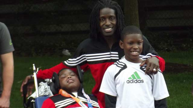 PHOTO: Deion Branch is seen with his 11-year-old twins Deiontey, right, and Deiondre, who has brain damage from meningitis in this undated photo.