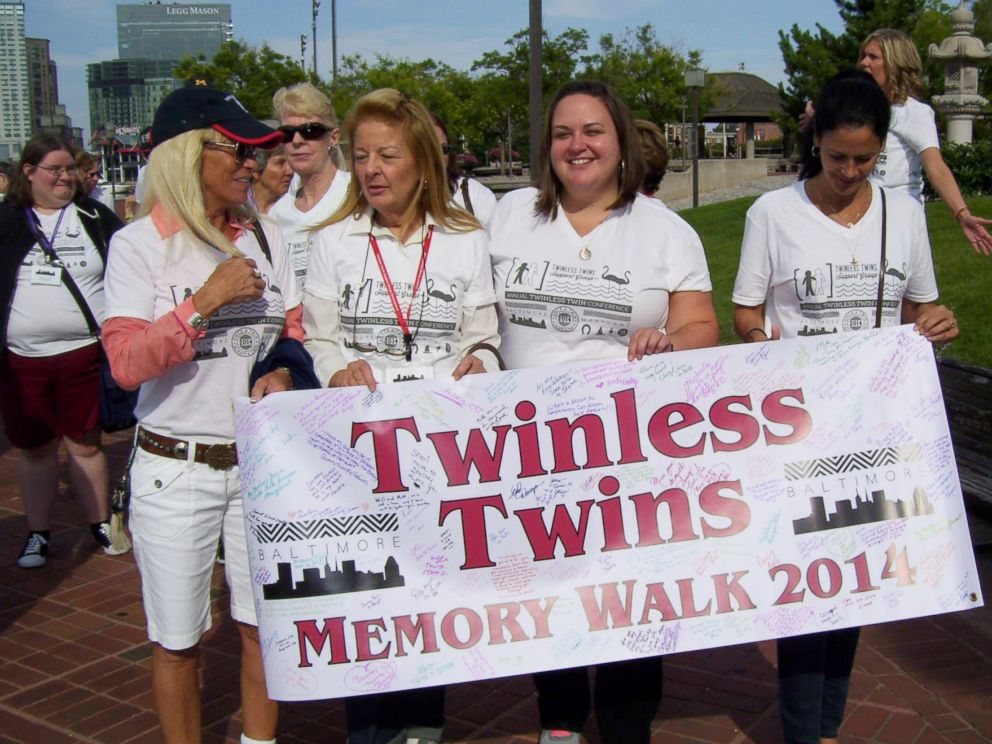 PHOTO: Twinless Twins support group brings people whose twin has died together.