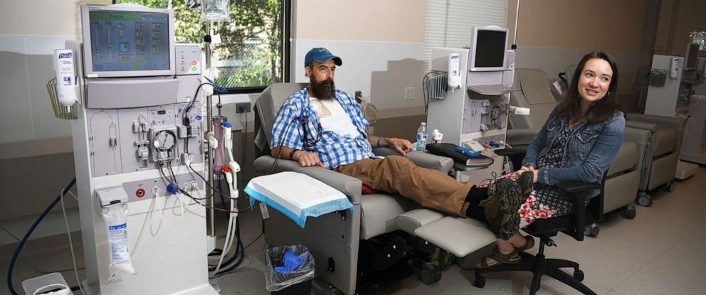 PHOTO: Sovereign Valentine and his wife, Jessica, wait for a dialysis machine to filter his blood. Before finding a dialysis clinic in their insurance network, the Valentines were charged more than half a million dollars for 14 weeks of the treatment.