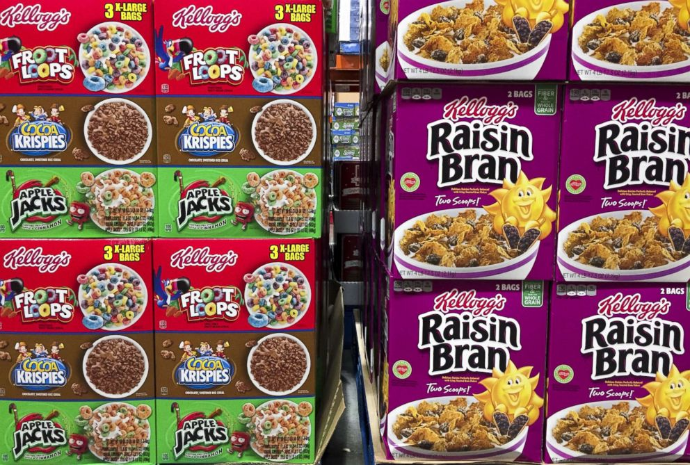 PHOTO: Boxes of Kelloggs cereals including Froot Loops, Cocoa Krispies and Raisin Bran are seen at a store in Arlington, Va., Dec. 1, 2016.