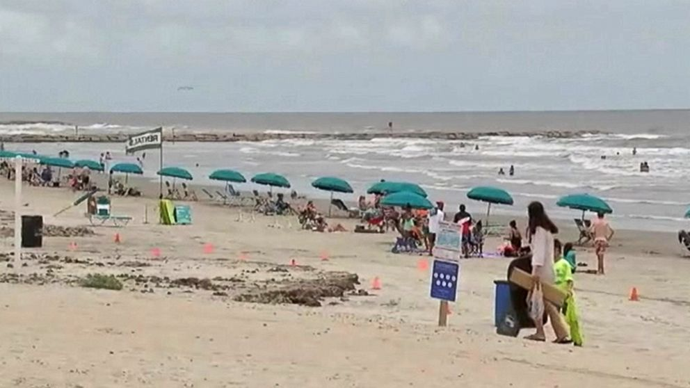 The Reason Beachgoers Are Being Warned to Avoid Gulf Waters in Texas