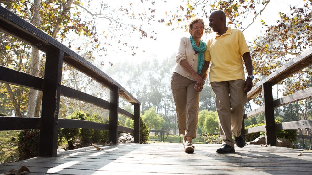 Married heart disease patients may live longer, study finds