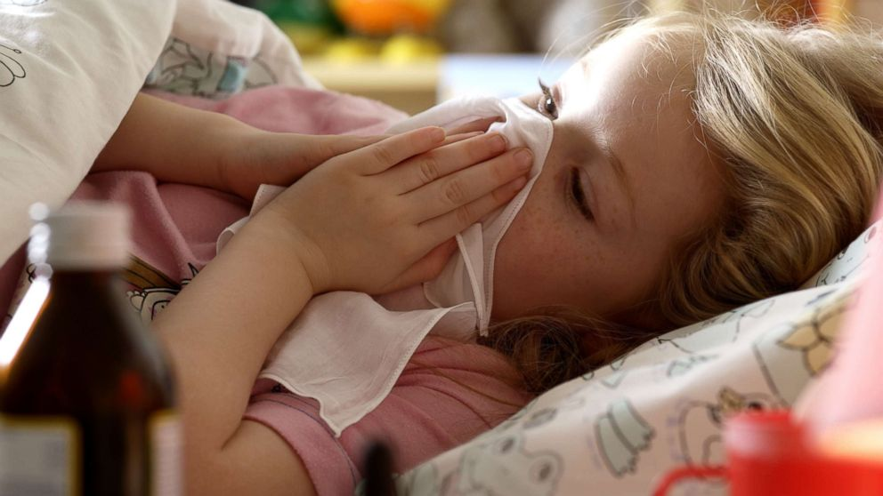 can adults catch croup virus