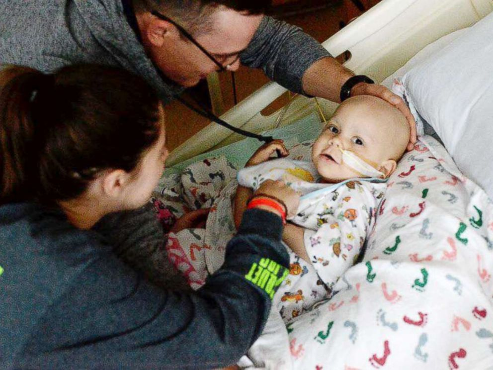 PHOTO: Shelby and Jonathan Skiles care for their 2-year-old daughter Sophie at Childrens Medical Center Dallas.