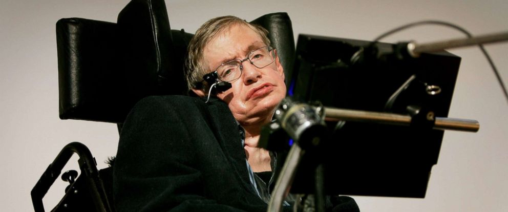"""PHOTO: Professor Stephen Hawking delivers his speech at the release of the """"Bulletin of the Atomic Scientists,"""" Jan. 17, 2007, in London."""