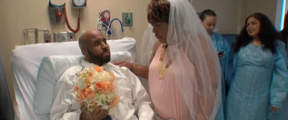 PHOTO: Keith Borum married his fiancée Nina Scott from his bed at Good Samaritan Hospital in West Islip, N.Y., July 8, 2015.