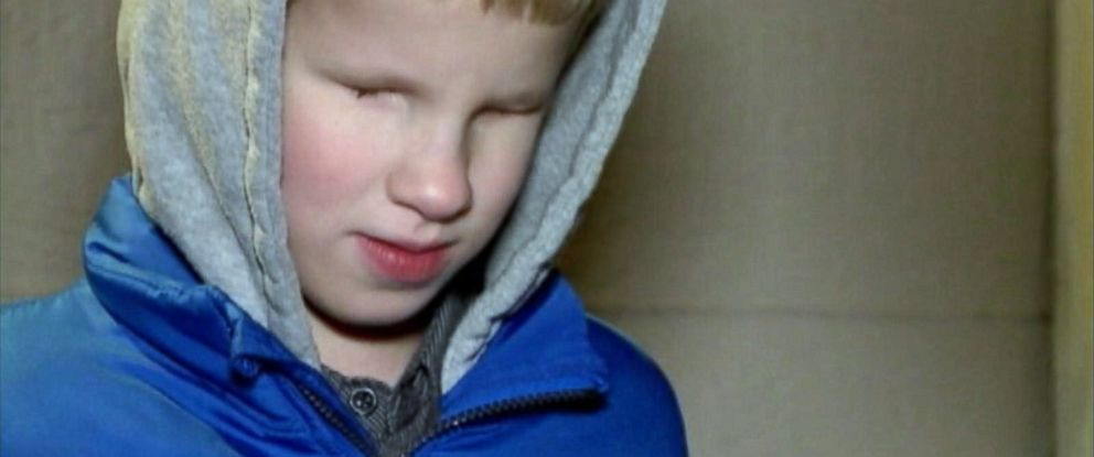 PHOTO: 8-year-old Dakota Nafzinger, who was born without eyes, had his cane taken away and replaced with a pool noodle by the North Kansas City School District on Dec. 15, 2014.