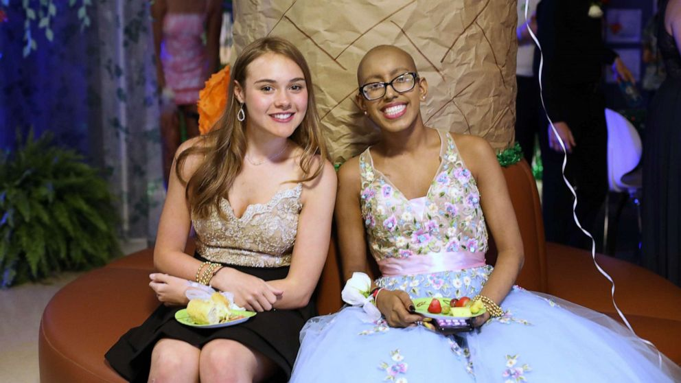Hospital in Atlanta brings prom night to its patients, giving them a chance to dress up and party