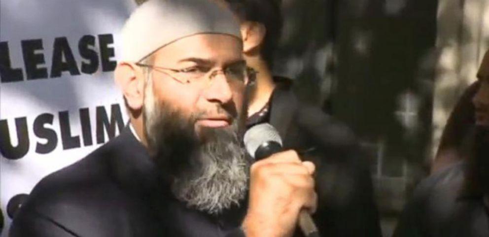 VIDEO: UK Arrests 9 Islamist Terror Suspects in London Raids