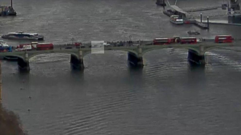 https://s.abcnews.com/images/International/170322_vod__london_car_bridge_16x9_992.jpg