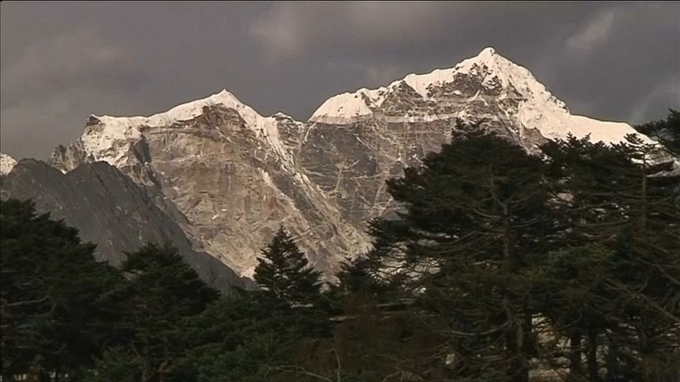China closes its Mount Everest base camp to tourists because of