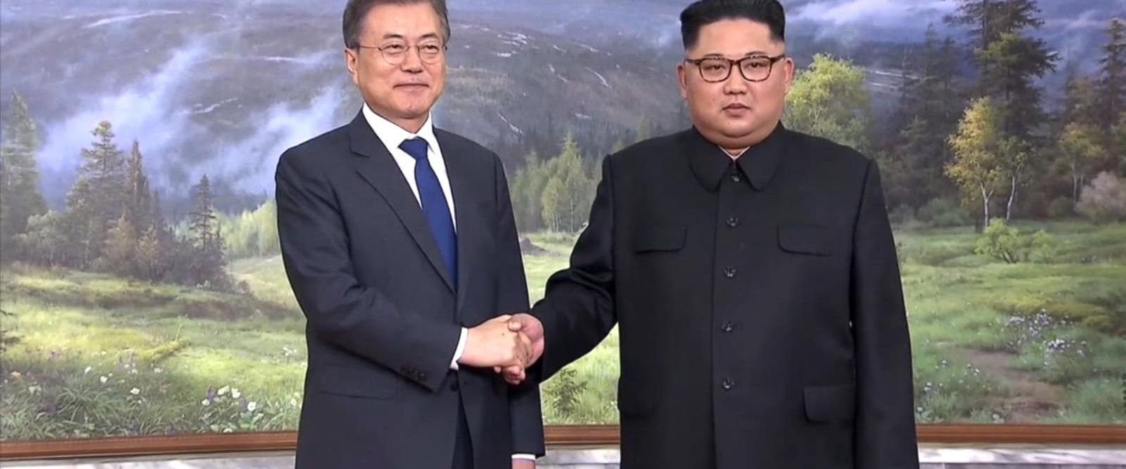 VIDEO: New details emerge from surprise meeting of Korean leaders