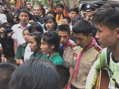 WATCH: Thai kids singing Christian songs in hopes for the soccer teammates' safe return