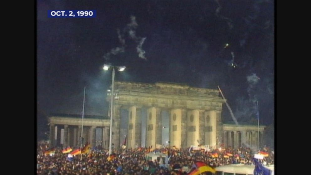 East and West Germany unite to change into a single nation.