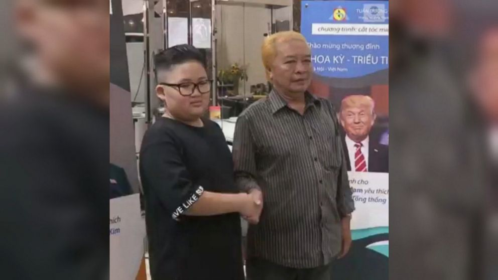 Barber offers world leaders' hairstyles for free