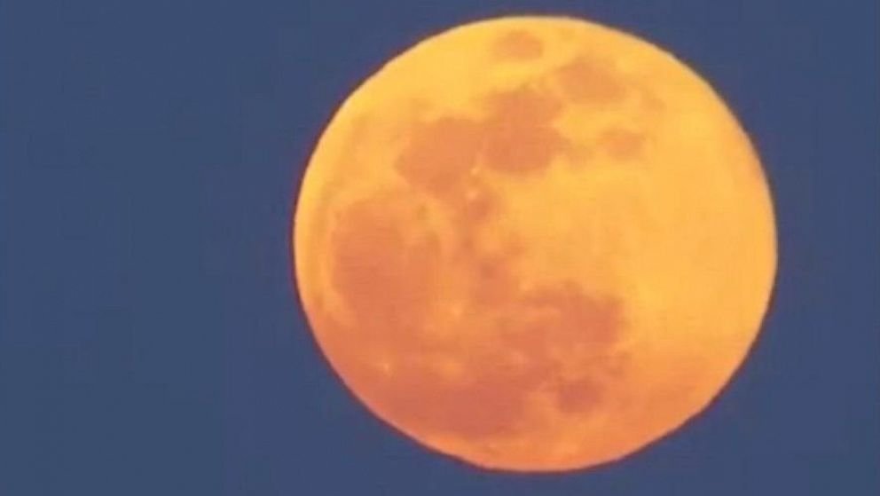Large supermoon spotted in Portugal