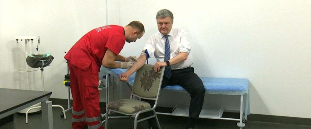VIDEO: Ukraines presidential candidates take televised drug test