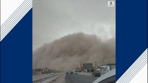 Dust storm rolls across Iraq