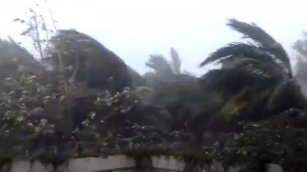 Deadly cyclone tears through India