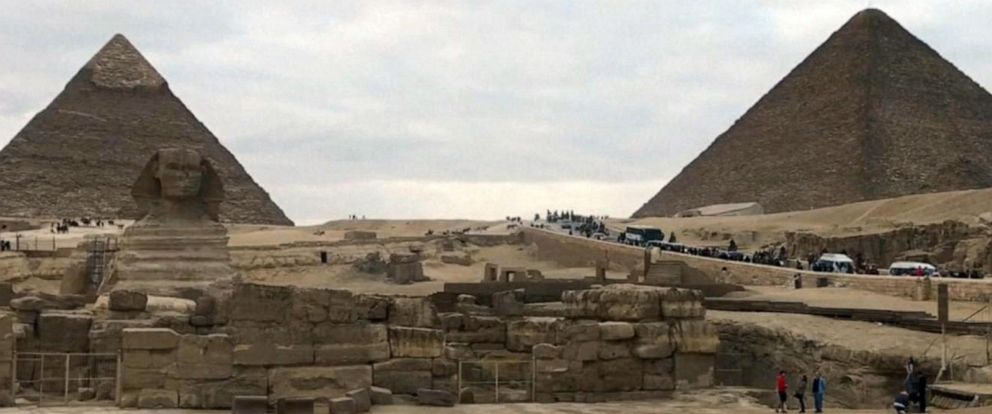 VIDEO: Tourist bus bombed close to Egyptian pyramids