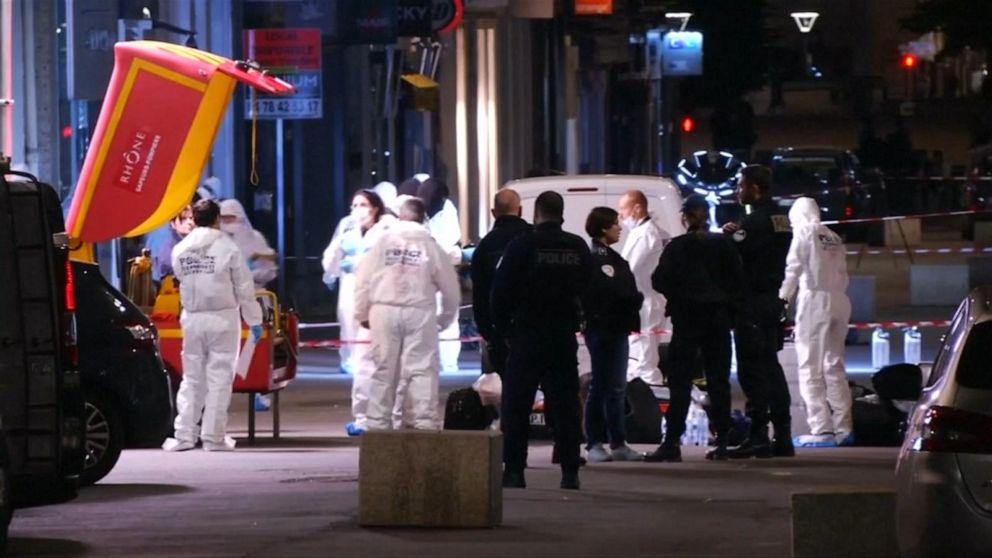 French launch manhunt for suspect behind Lyon blast