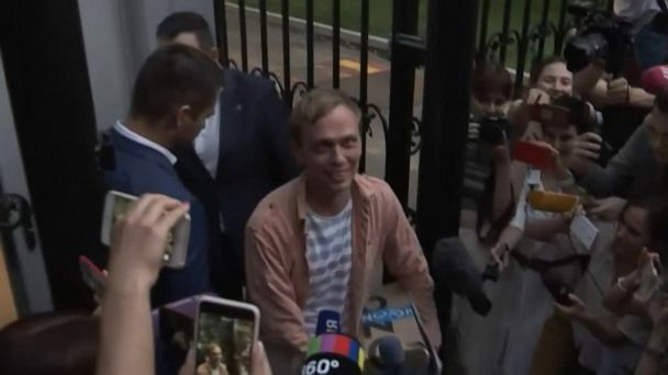 Russia frees journalist after exceptional outcry