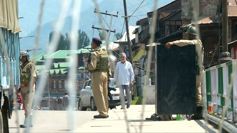 Across The Pond: Thousands arrested in Kashmir amid lockdown