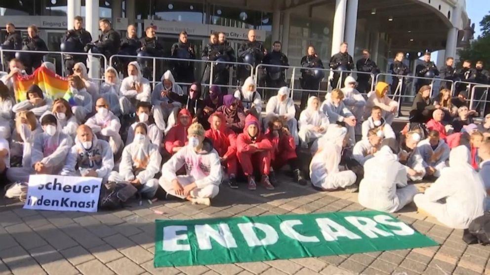 Thousands of climate change activists block entrance to Frankfurt auto show