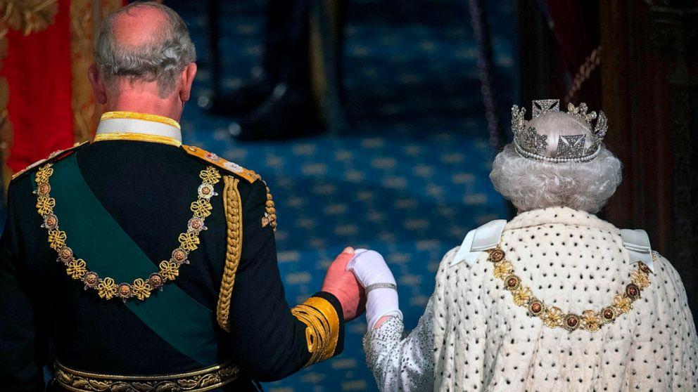 Queen Elizabeth II, baby gorilla and Lebanon wildfires: World in Photos, Oct. 15