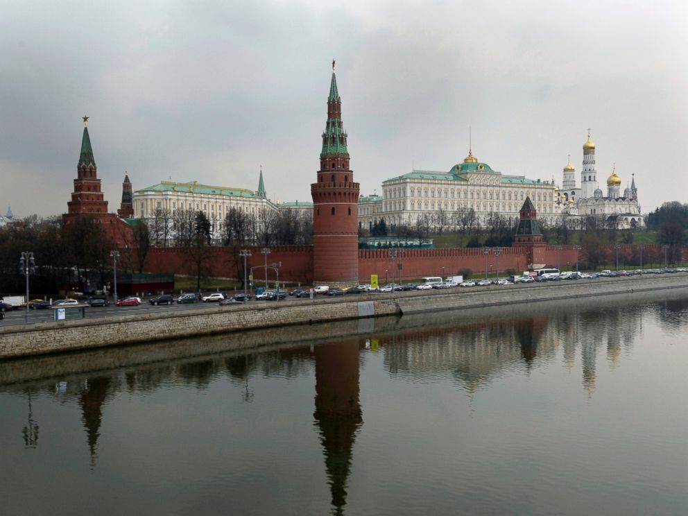 PHOTO: The Kremlin is seen behind the Moskva River in Moscow, April 7, 2017. The Russian military says it will help Syria beef up its air defenses after the U.S. strike on a Syrian air base.