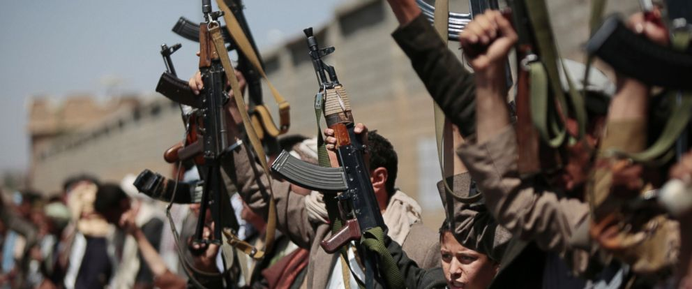 PHOTO: Tribesmen loyal to Houthi rebels hold their weapons as they chant slogans during a gathering aimed at mobilizing more fighters into battlefronts in several Yemeni cities, in Sanaa, Yemen, Sunday, Oct. 2, 2016.