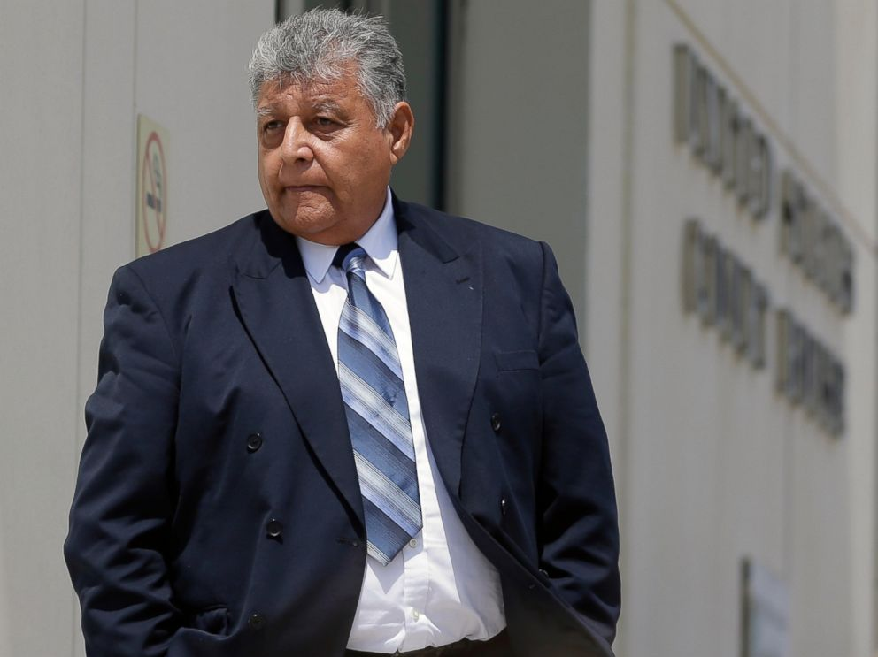 PHOTO: Pedro Pablo Barrientos Nunez, center, leaves the federal courthouse Monday, June 27, 2016, in Orlando, Fla.