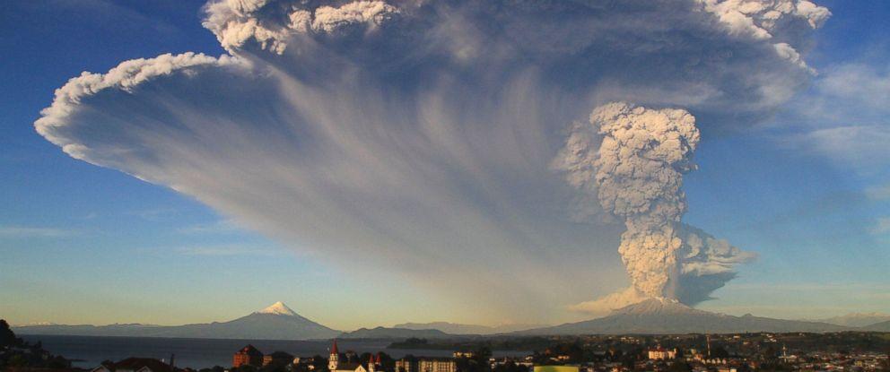 PHOTO: The Calbuco volcano erupts near Puerto Varas, Chile, April 22, 2015.