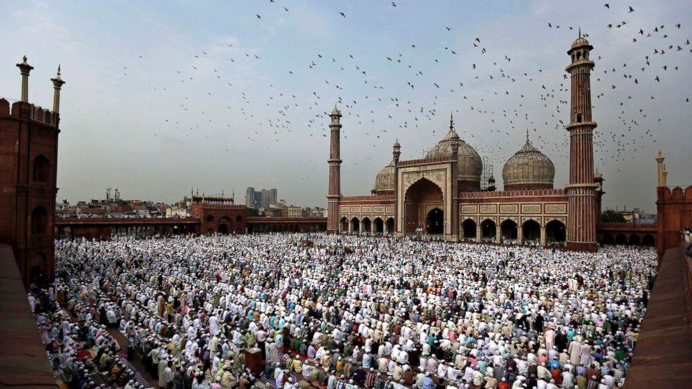 Amazing Celebration Eid Al-Fitr Feast - AP_Eid_al_Fitr_prayer_hb_160705_16x9_992  You Should Have_337224 .jpg