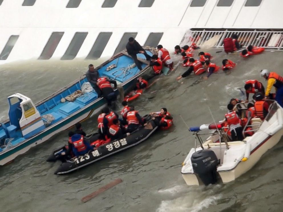 PHOTO: Passengers from a ferry sinking off South Koreas southern coast are rescued by coast guard crews, April 16, 2014.