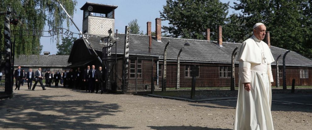 PHOTO: Pope Francis walks through the gate of the former Nazi German death camp of Auschwitz in Oswiecim, Poland, July 29, 2016.