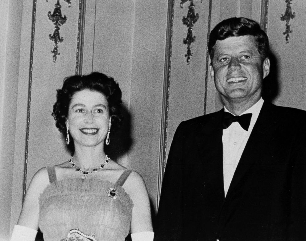 PHOTO: Queen Elizabeth II and U.S. President John Kennedy on Jun 5, 1961, as they pose at Buckingham Palace in London. The Kennedys were dinner guests of the Queen.