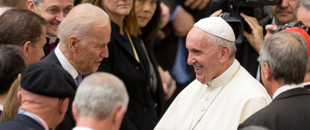 PHOTO: Pope Francis shakes hands with Vice President Joe Biden as he takes part at a congress on the progress of regenerative medicine and its cultural impact at the Vatican, April 29, 2016.