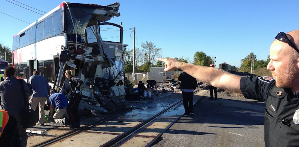 PHOTO: a city bus collided with a Via Rail passenger train