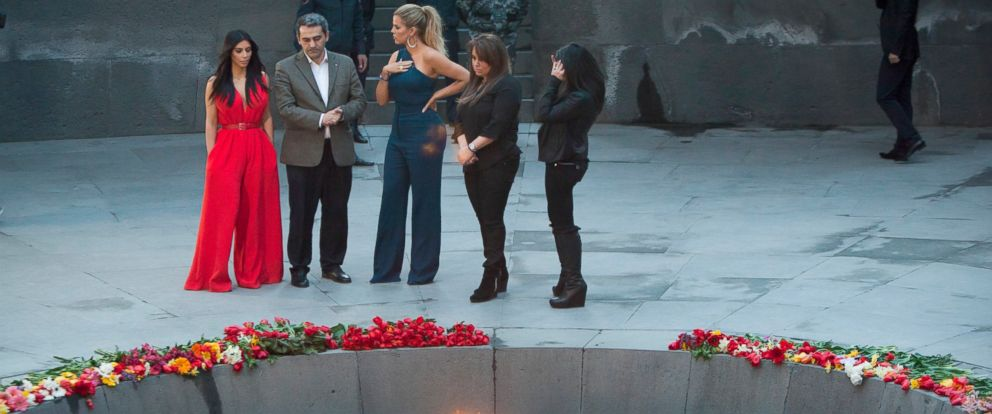 PHOTO: Kim Kardashian, left, and her sister Khloe Kardashian, center, visit the memorial to the victims of genocide in Yerevan, Armenia, April 10, 2015.
