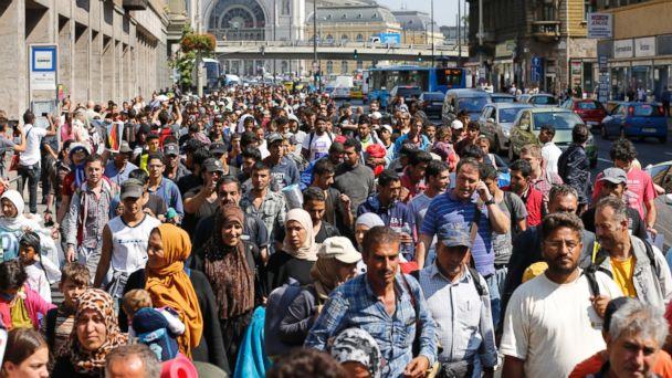 https://s.abcnews.com/images/International/AP_migrant_europe_01_mm_150904_16x9_608.jpg