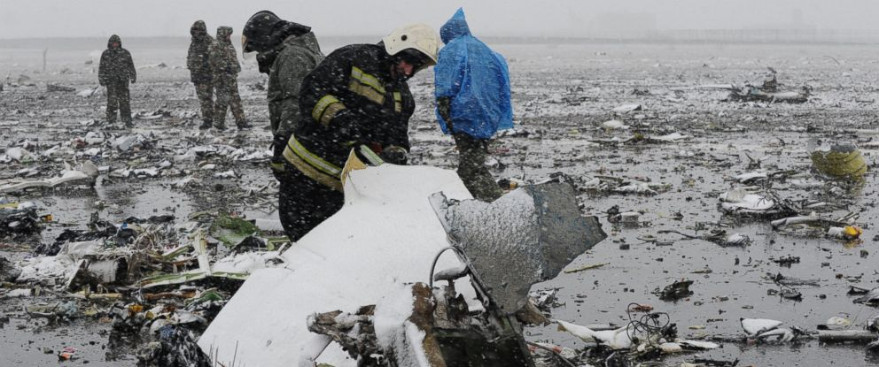 PHOTO:Russian Emergency Ministry employees investigate the wreckage of a crashed plane at the Rostov-on-Don airport, about 600 miles south of Moscow, Russia, March 19, 2016.