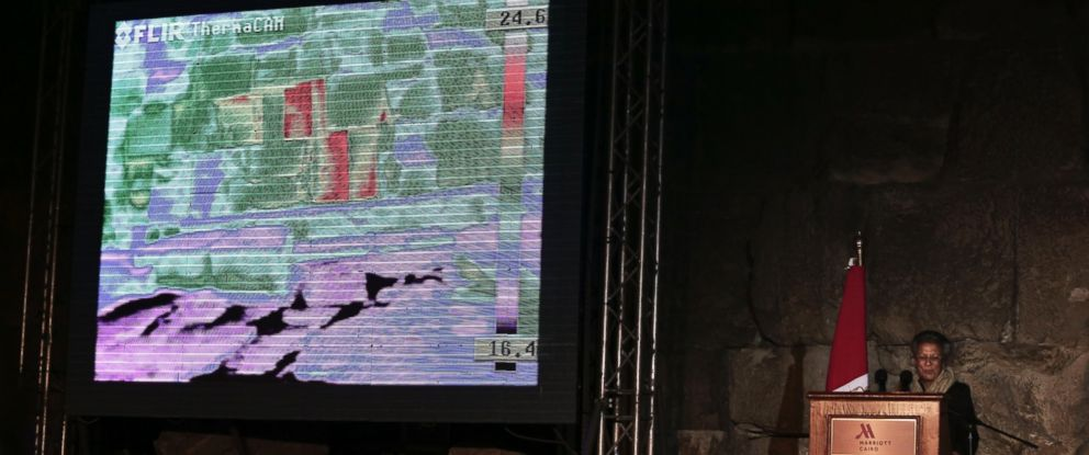 PHOTO:Live footage from a thermal camera of limestone blocks from the Khufu pyramid are displayed showing different colors representing varying temperatures during a press conference, in Giza, Egypt, Nov. 9, 2015.