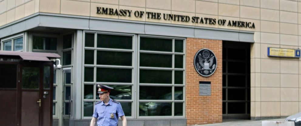 PHOTO: In this file photo, a Russian police officer stands in front of an entrance of the U.S. Embassy in Moscow, May 14, 2013.
